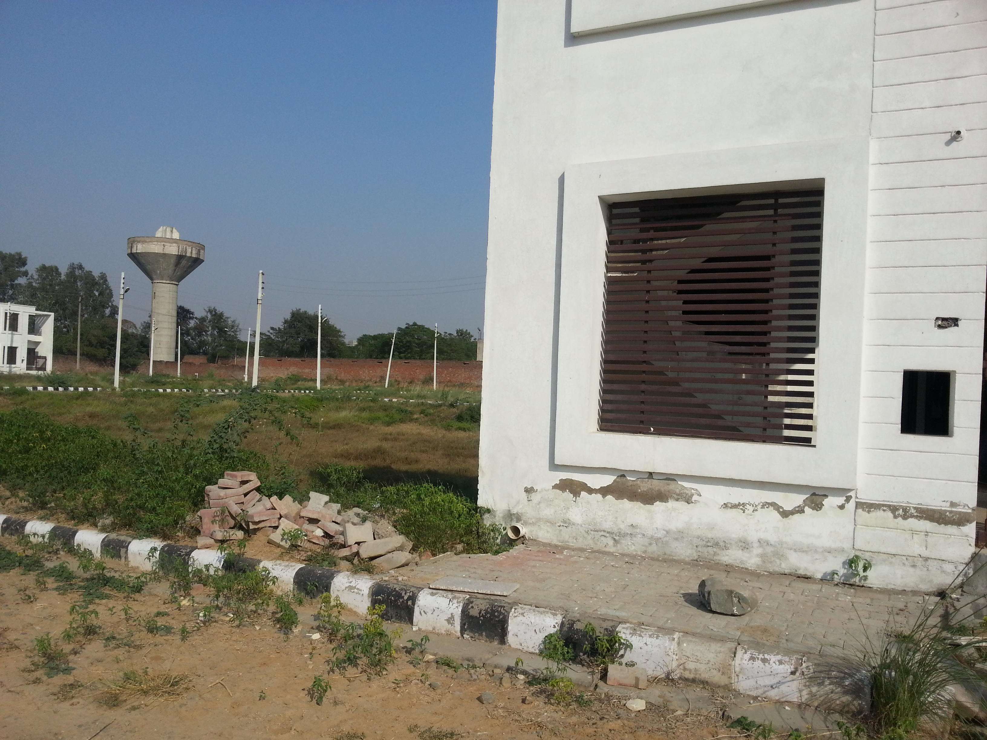 90 sq. yd. Duplex house for sale in derabassi just for rs. 19.8lacs ( Limited Time offer )